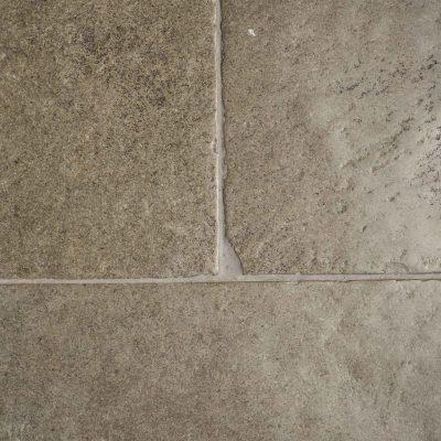 Aged limestone flooring - Limestone Oratory tiles