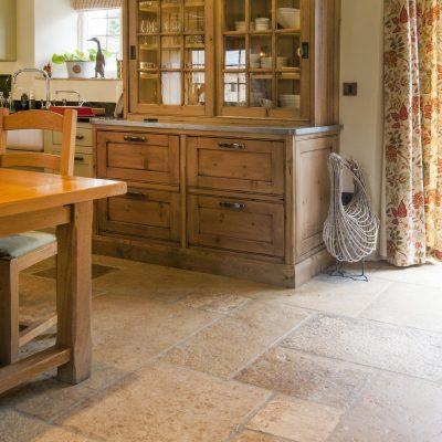 reclaimed flagstones UK - Cotswold stone reclaimed flagstones