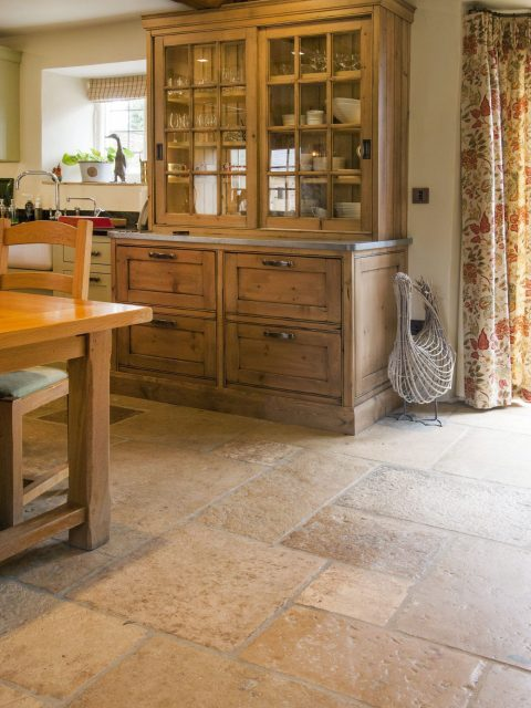 reclaimed flagstones UK - Cotswold stone reclaimed flagstones