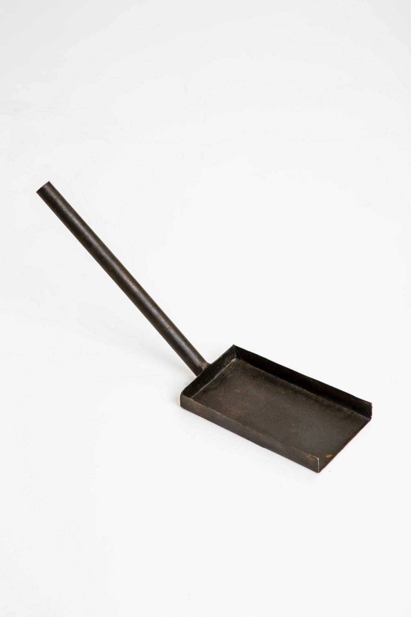 firepit-iron-shovel-swatch
