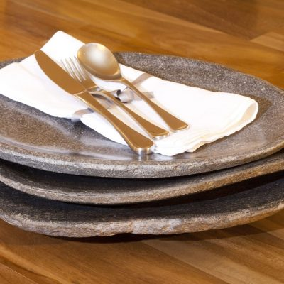 Natural riverstone plates UK