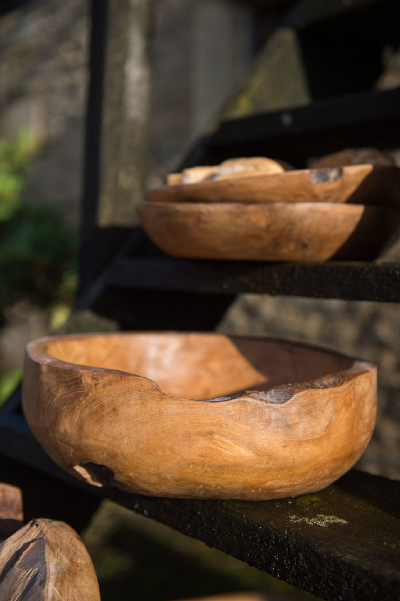teak-root-bowl-in-situ-1