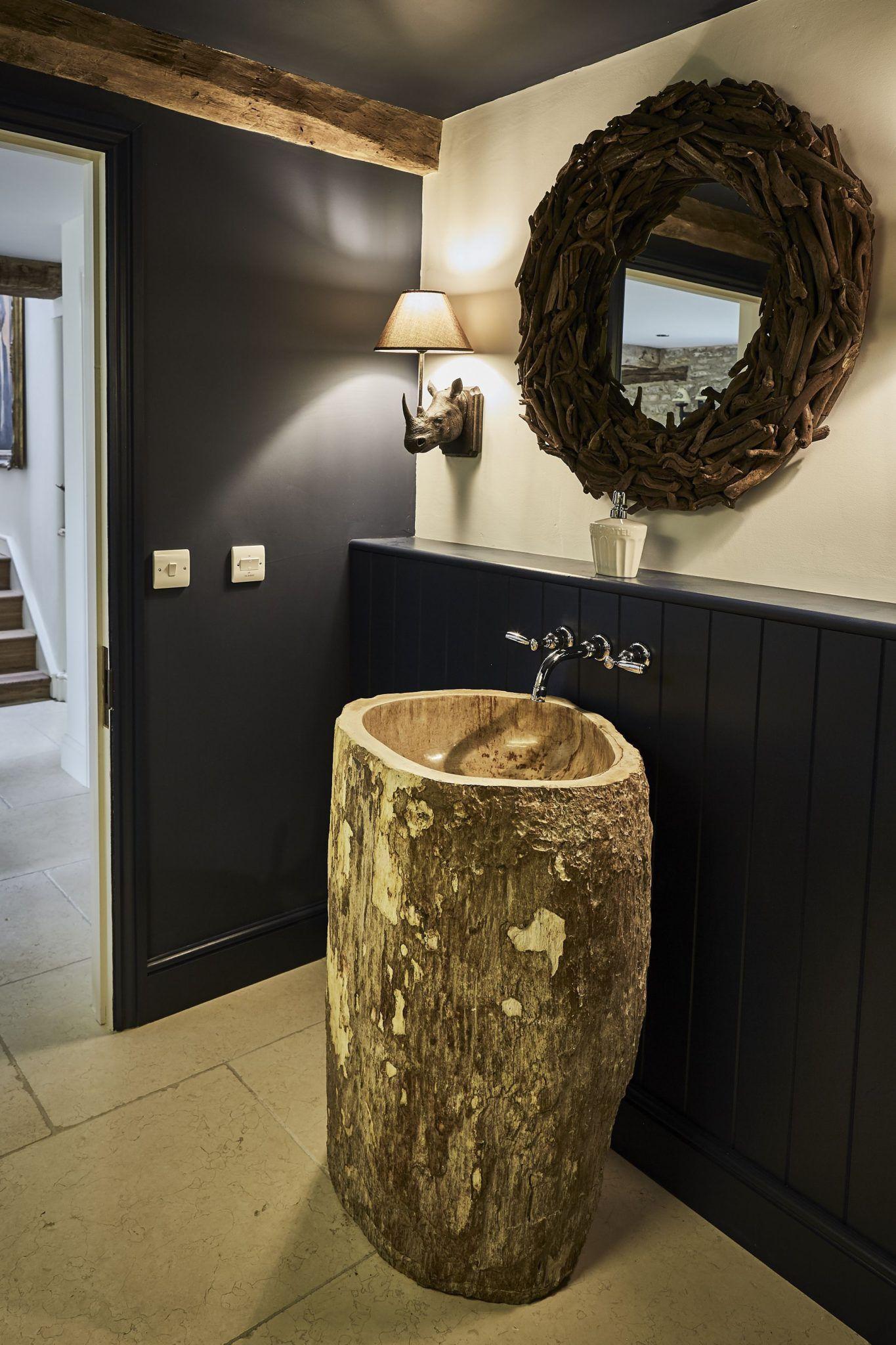 petrified-wood-pedestal-basin-in-situ-1
