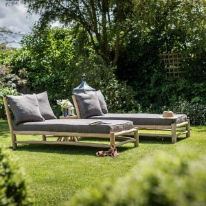 Sofas & Day Beds