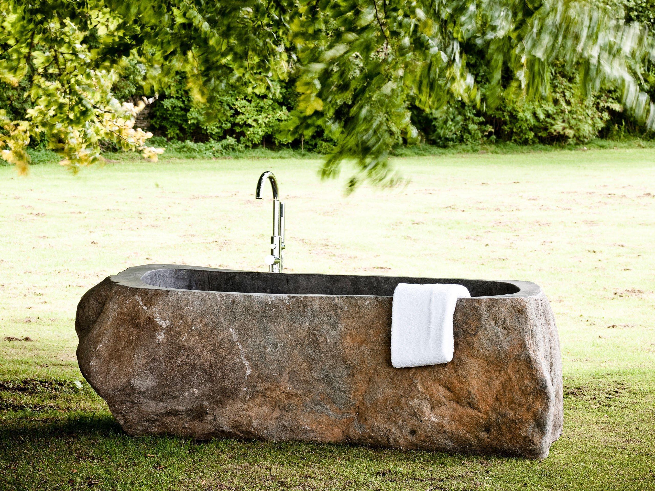 riverstone bath outdoors
