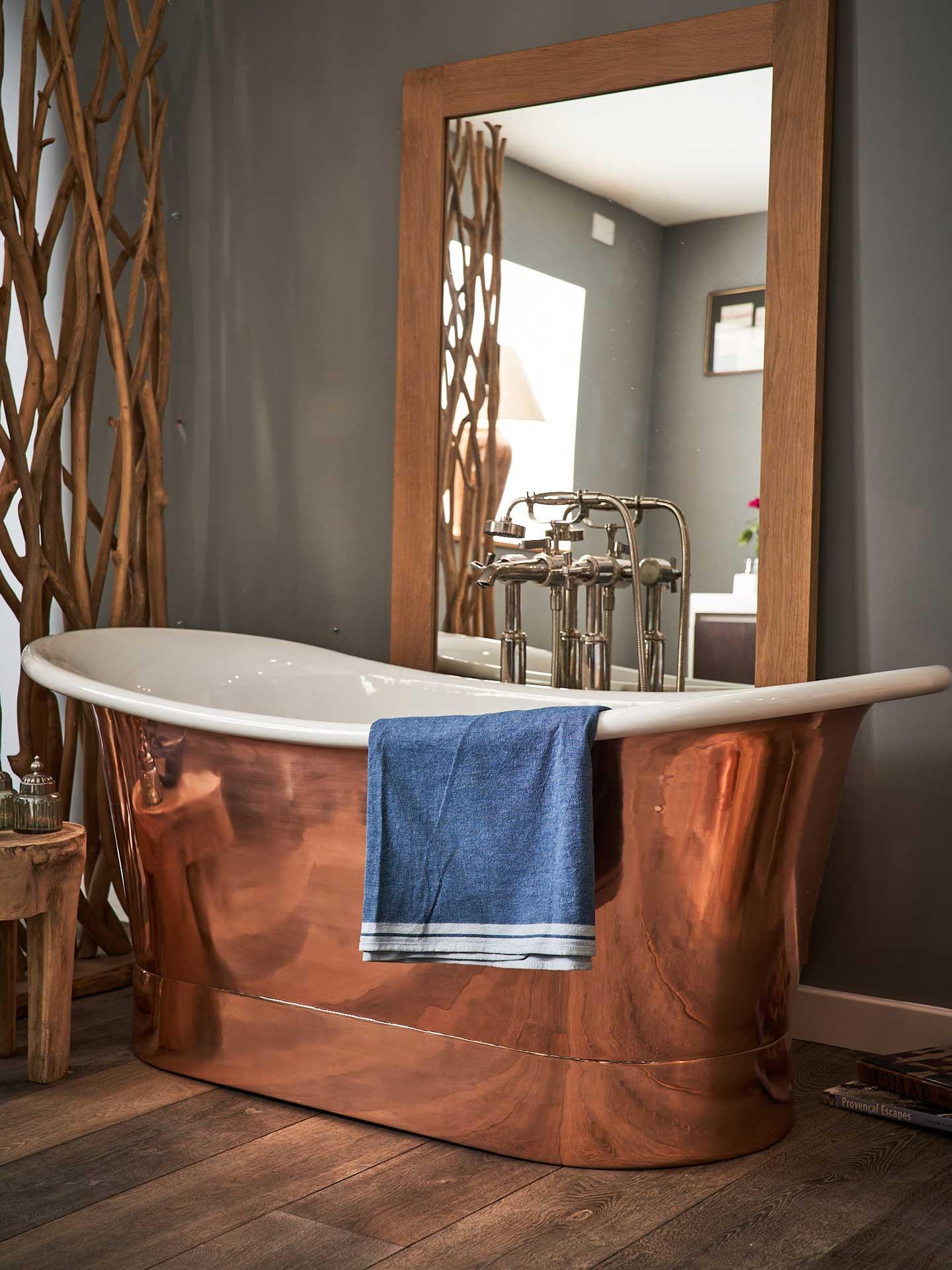 copper white bath in room