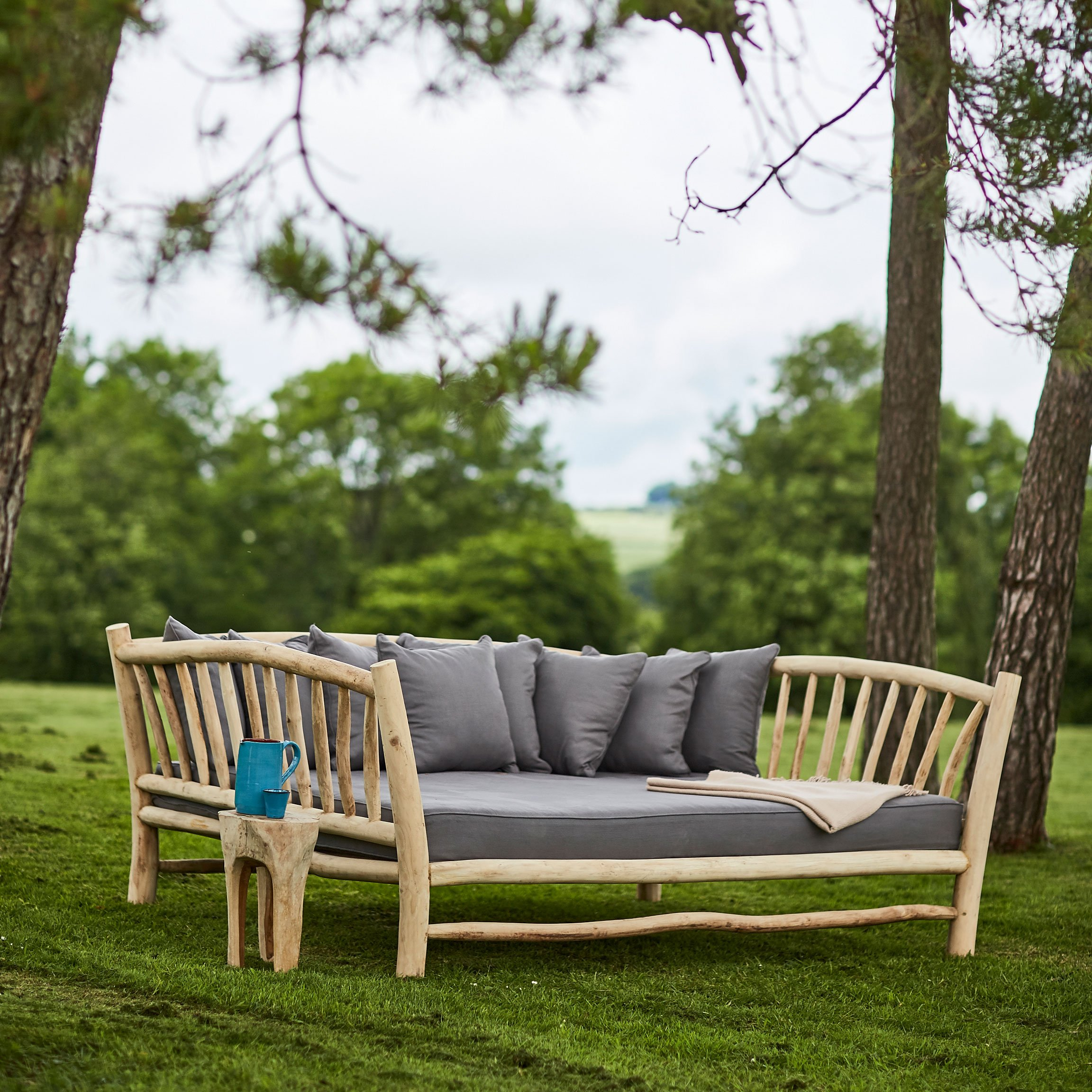 branchwood-day-bed-in-situ